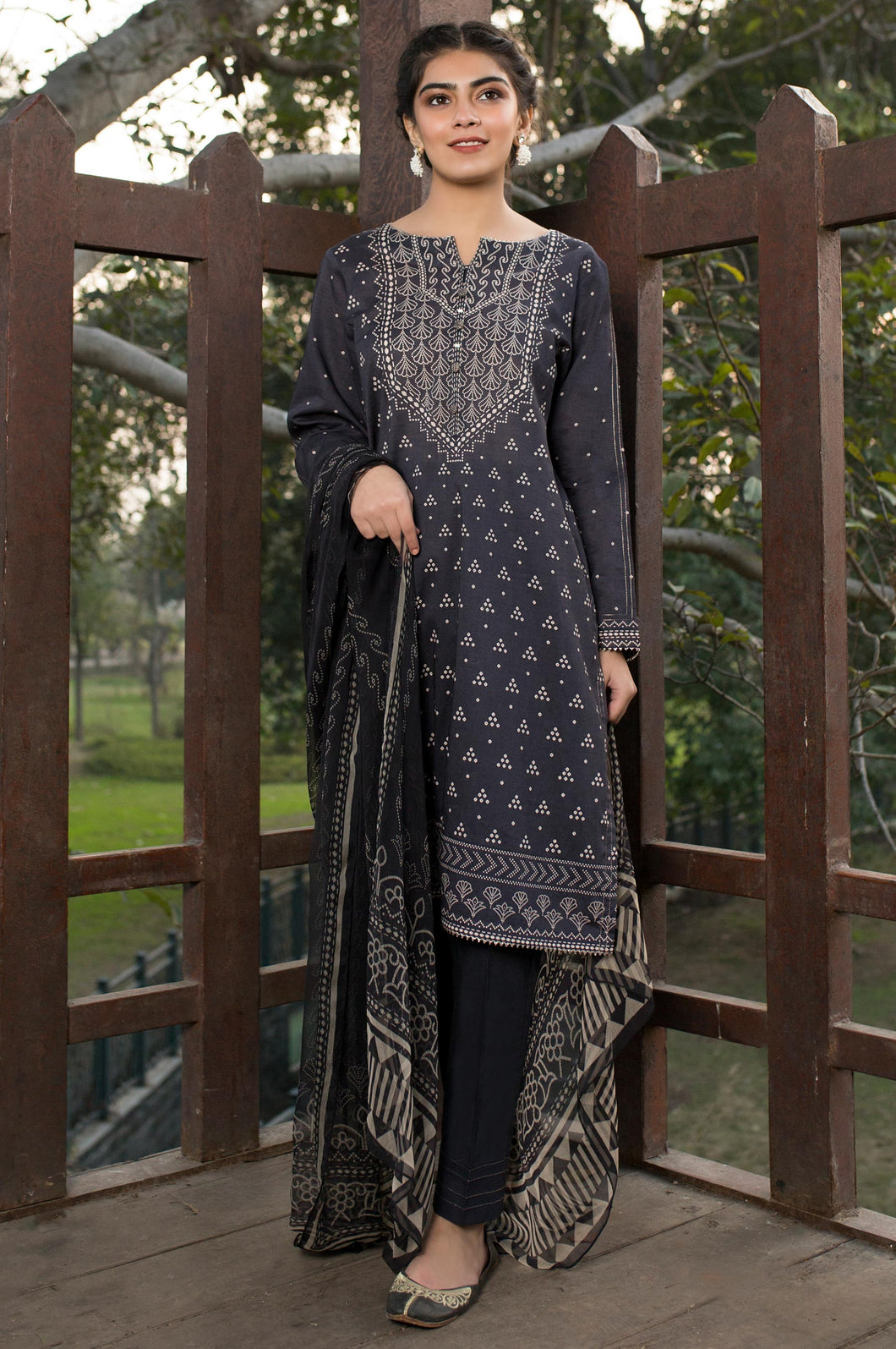Unstitched 3 Piece Printed Lawn & Chiffon Suit