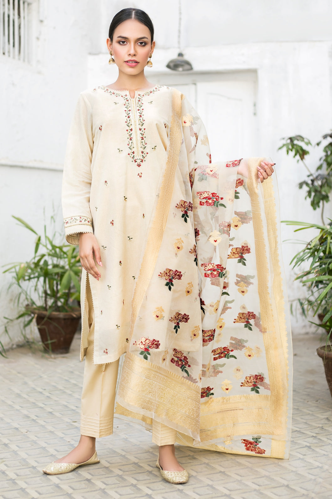 Unstitched-3-Piece-Embroidered-Maysuri-with-Organza-Jacquard-Suit