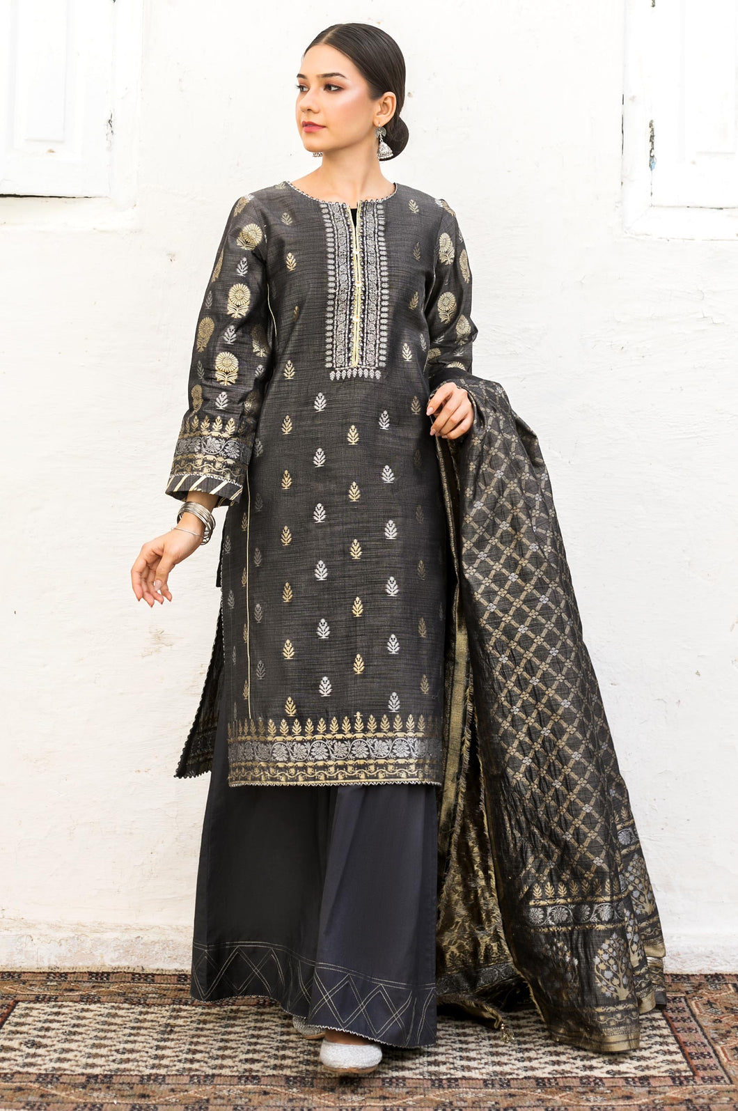 Unstitched-3-Piece-Yarn-Dyed-Jacquard-Suit