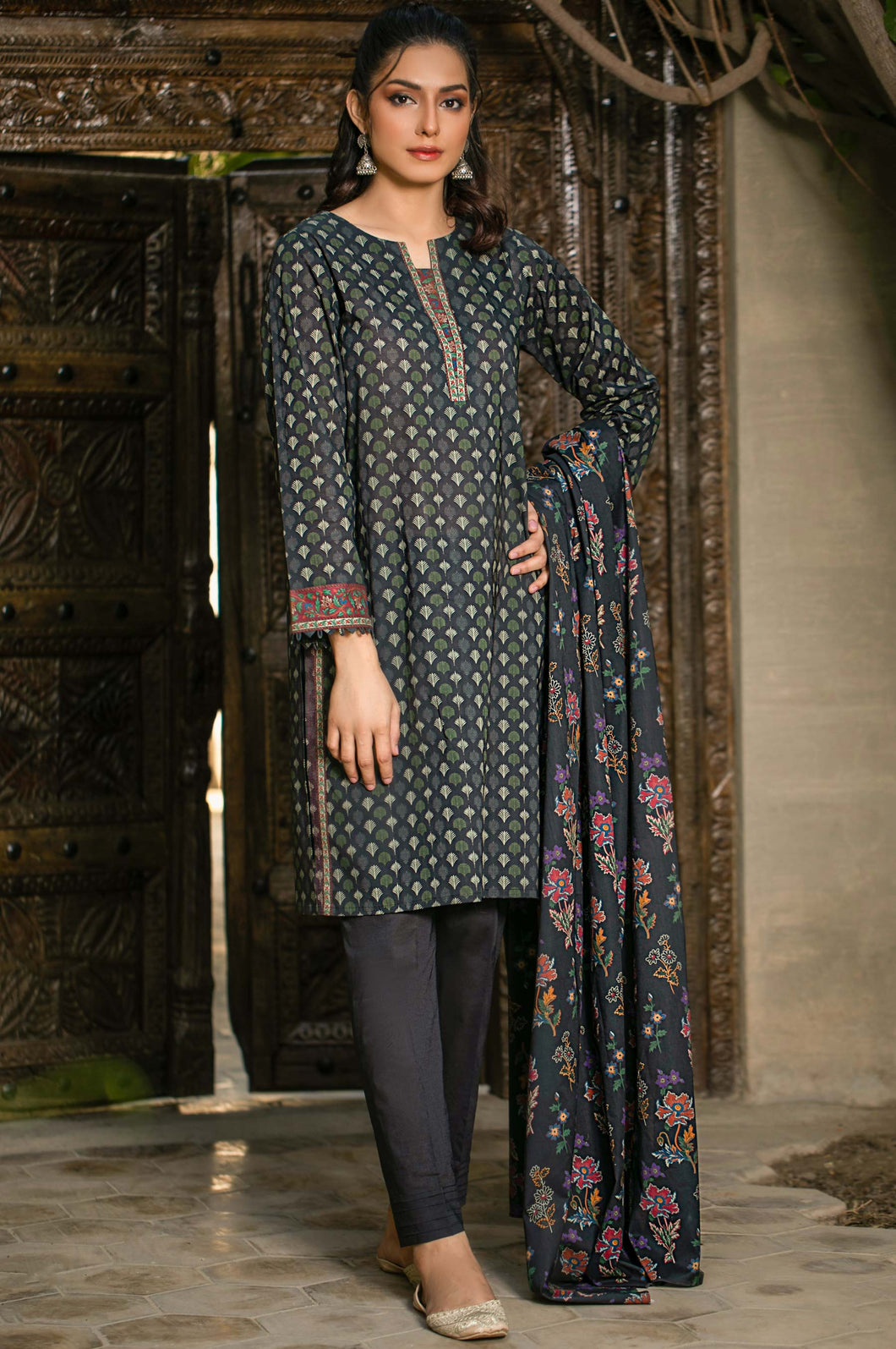 Unstitched 3 Piece Digital Printed Cambric Suit