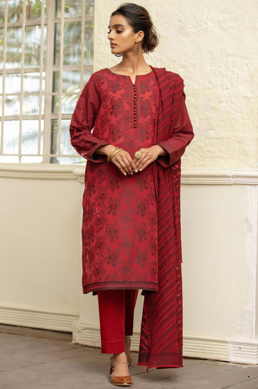 Unstitched 3 Piece Jacquard Suit with Jacquard Dupatta