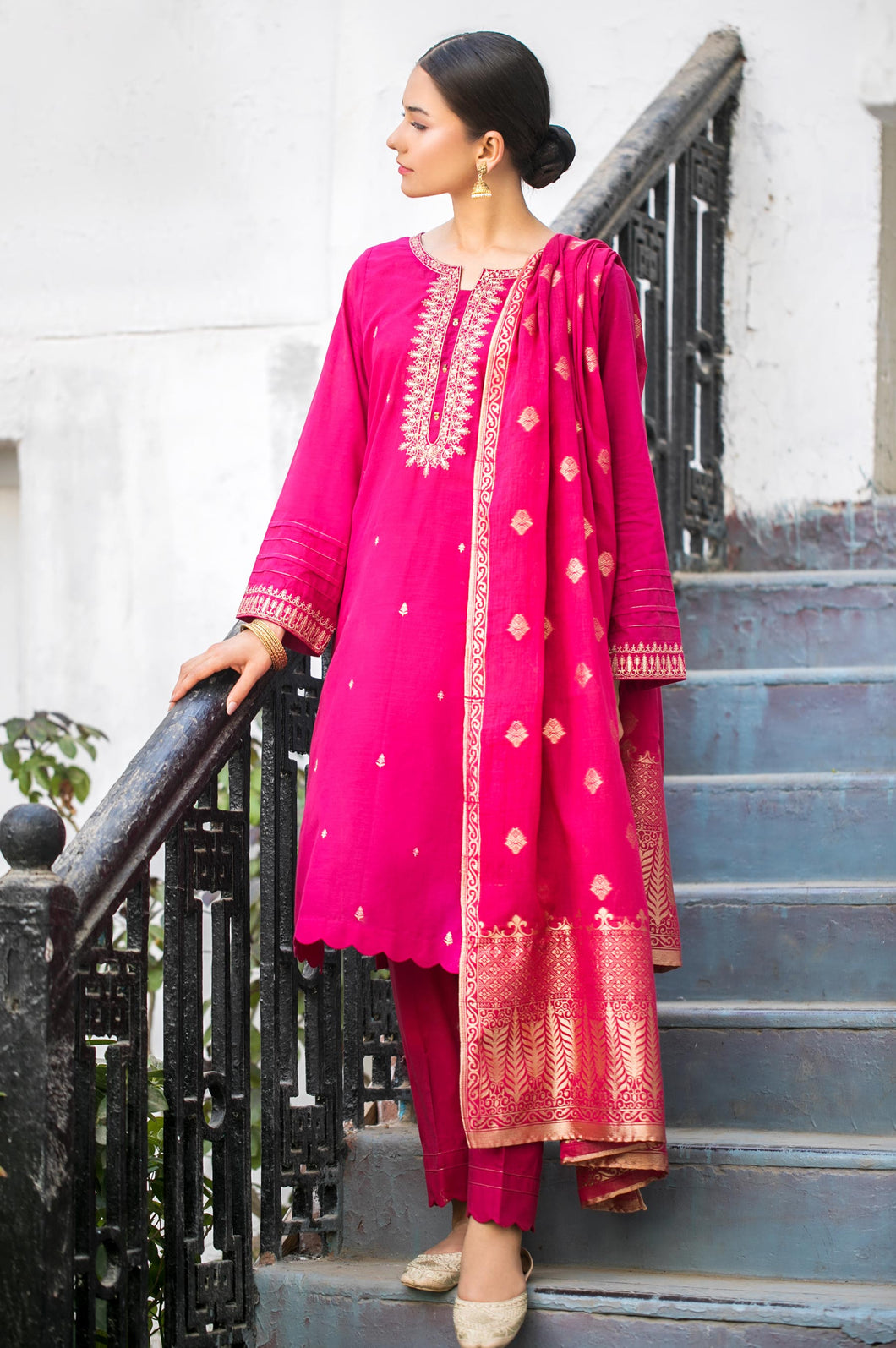 Stitched 3 Piece Embroidered Slub Lawn with Jacquard Suit
