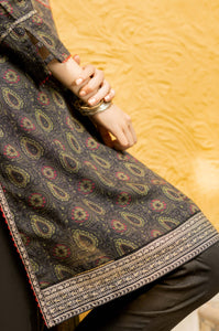 Stitched 3 Piece Printed Khaddar Suit