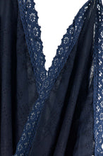 Load image into Gallery viewer, Jacquard Lace trimmed Scarf