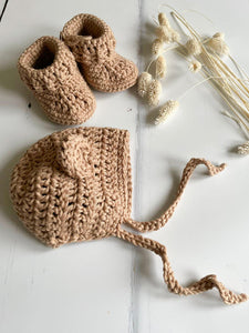 Knitted baby booties, Sand