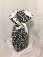 Load image into Gallery viewer, Wine Bottle Gift Bag: Grey geometric patterned with cream cotton lining