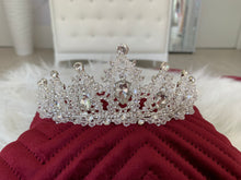 Load image into Gallery viewer, Bridal Crown in the style 1482