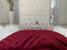Load image into Gallery viewer, Bridal Tiara in the style 1020