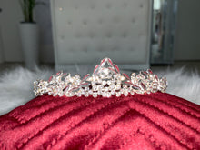 Load image into Gallery viewer, Bridal Tiara in the style 1050
