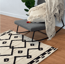 Load image into Gallery viewer, Black Diamonds Rug