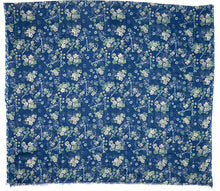Load image into Gallery viewer, VINTAGE FLOWER Scarf