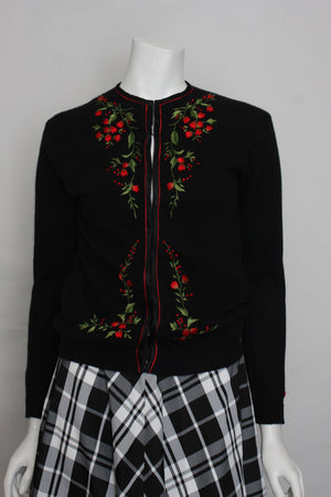Vintage  1950s Cardigan with hand embroidered flower Cecile Bermuda 34""
