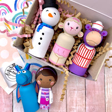 Load image into Gallery viewer, Doc McStuffins Peg Dolls
