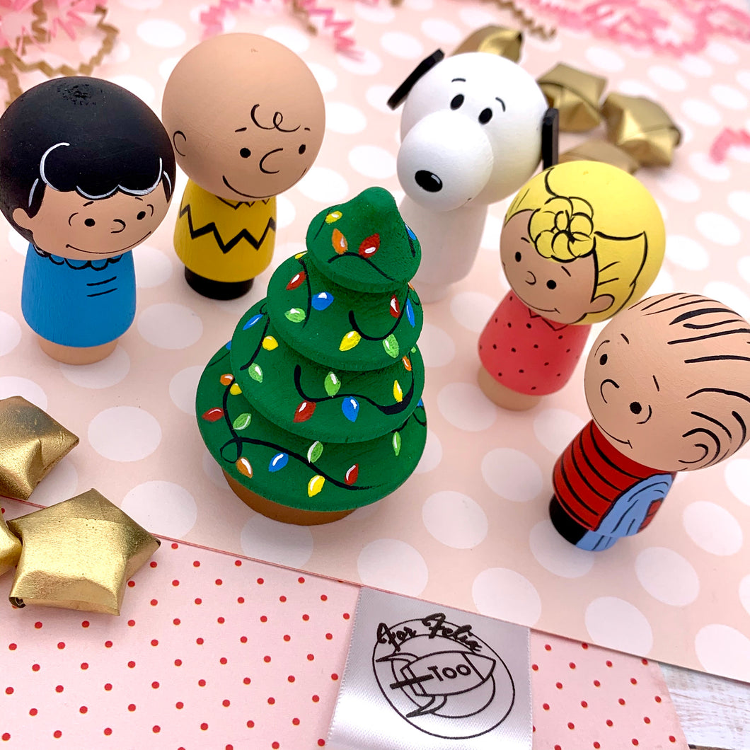 Charlie Brown and Peanuts Peg Dolls
