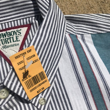 Load image into Gallery viewer, 1990's Cowboys' Turtle Association Button-Up