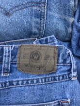 Load image into Gallery viewer, 1990's Wrangler Jeans!