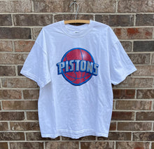 Load image into Gallery viewer, Detroit Pistons T-Shirt