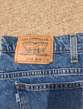 Load image into Gallery viewer, Vintage Levi's
