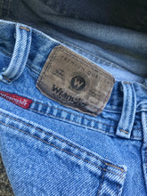Load image into Gallery viewer, 1990's Wrangler Jeans
