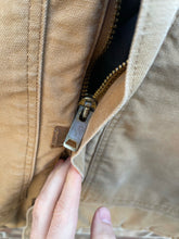 Load image into Gallery viewer, Carhartt Jacket
