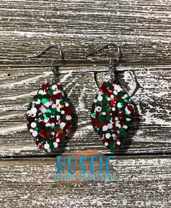 Sparkly Scallop Earrings - Christmas Dots