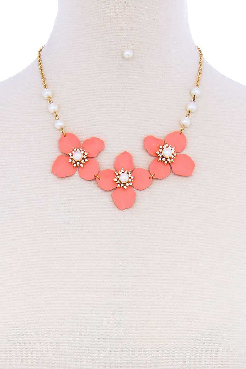Stylish Flower And Pearl Necklace Set-SamiraBoutique