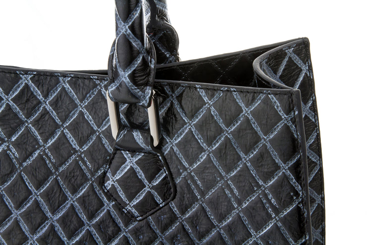 Wren & Roch Amazing Grace Handbag - Quilted Queen handle detail
