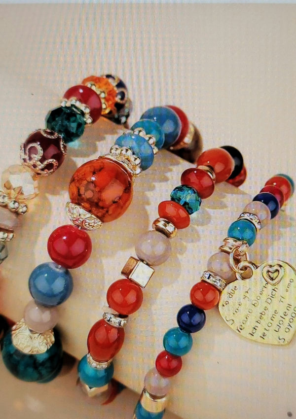 Heart Charm Beaded Bracelet - GlamLusH Boutique