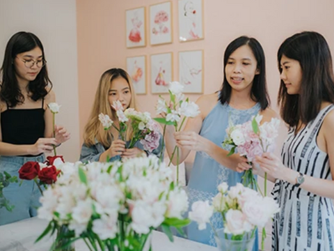 fleuriste flower arrangement workshop fun things to do for mother's day