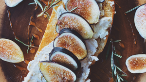 Fig and Goat Cheese Toasts Combine Creamy, Sweet, and Crunchy