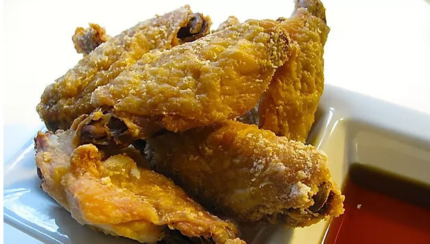 The Secret to Extra Crispy Baked Chicken Wings - Easy Recipe