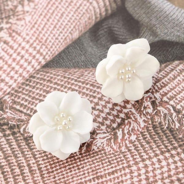 Pearl petals lotus flower earrings - Dots Clothing Store