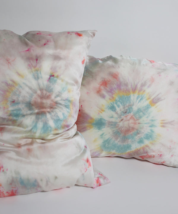 Hand Dyed Silk Pillowcase Set in Dreamcatcher