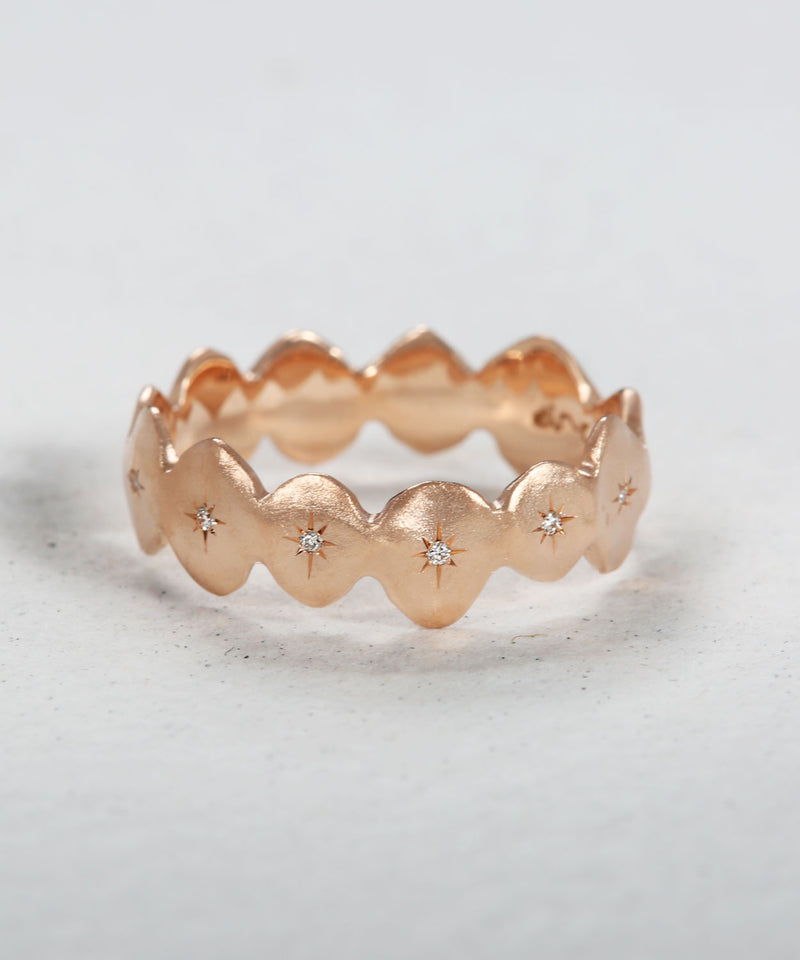 Scalloped Star Band