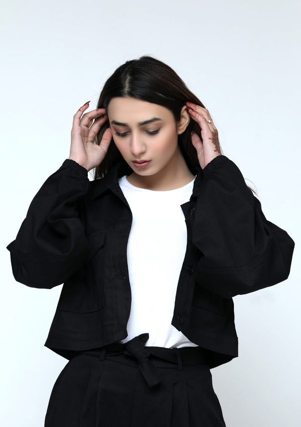 Cropped jacket with balloon sleeve - black