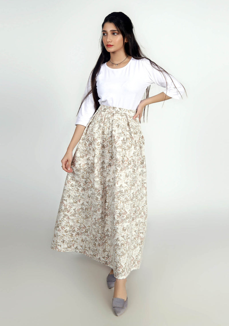 Pleated Skirt in Floral Peach