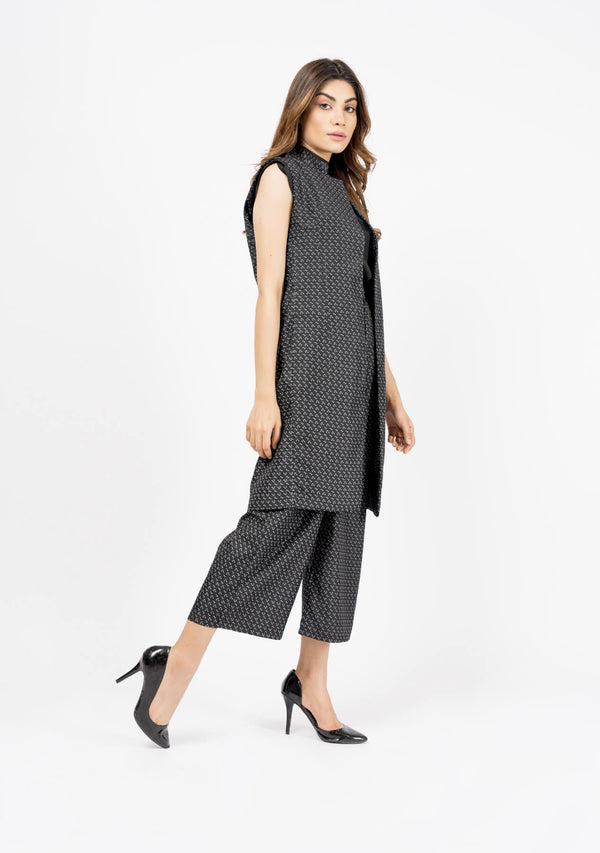 Sleeveless Long Waist Coat - Black & White Printed