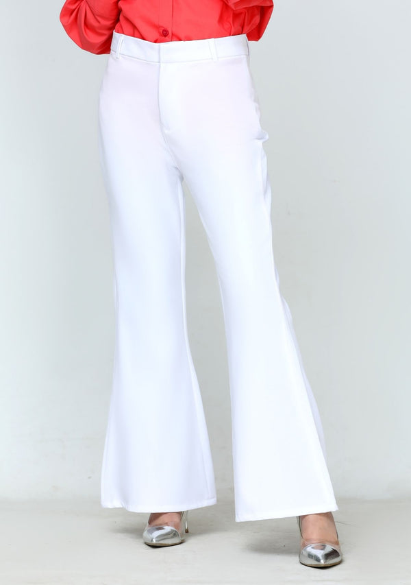 Flared pant in white polyester
