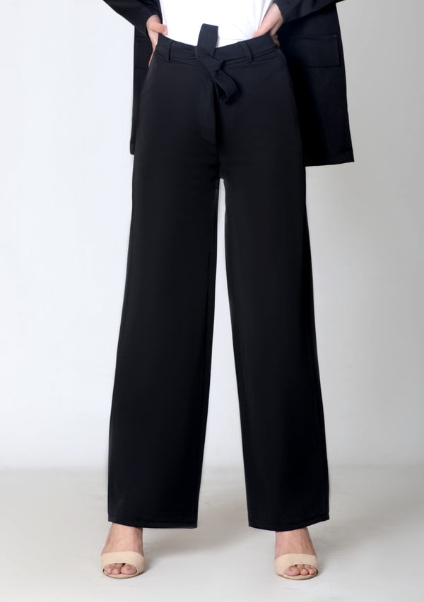 High Rise Wide Leg Pant in black polyester