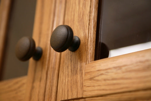 Door Style with knobs