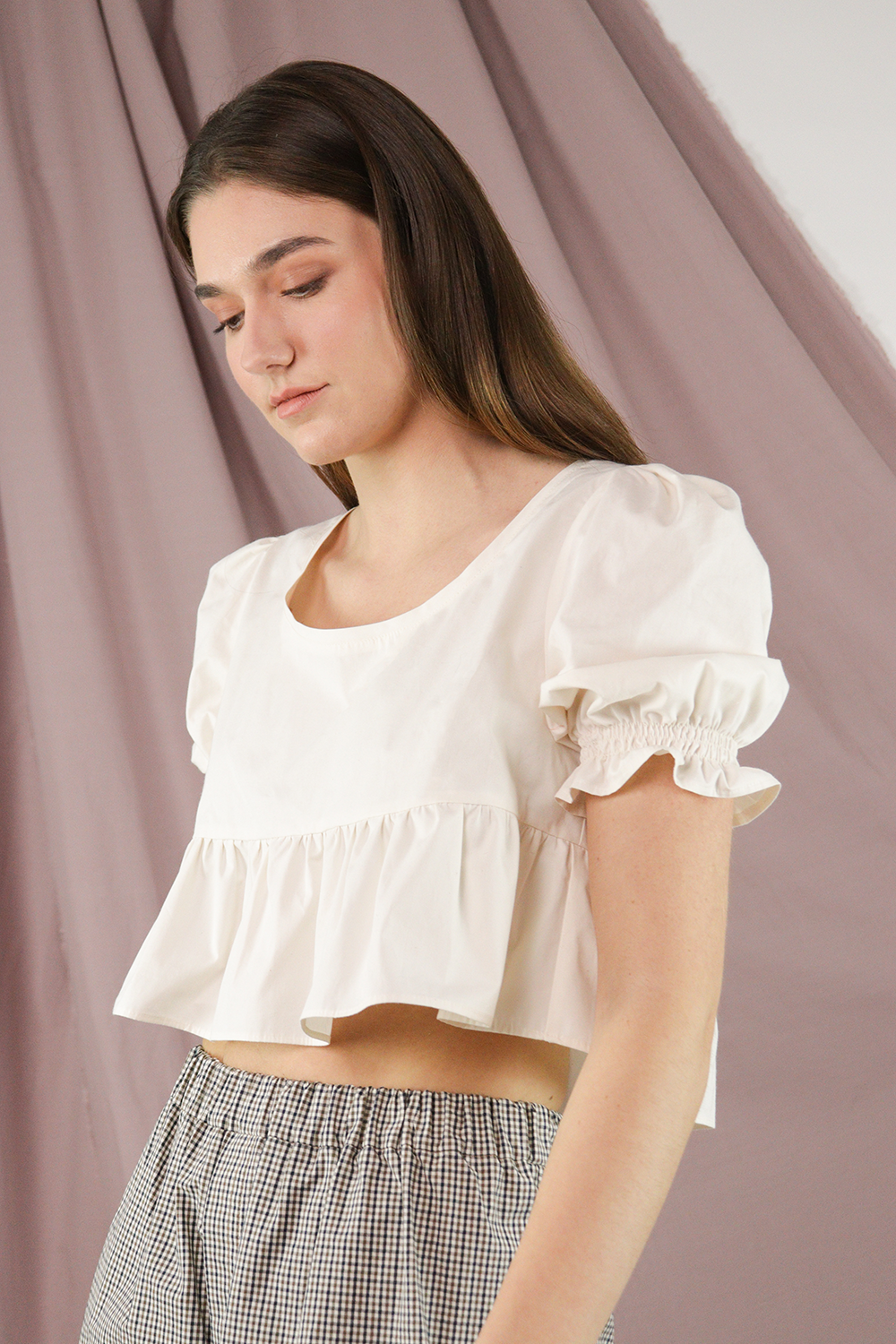 Cream Cropped Short Sleeve Top