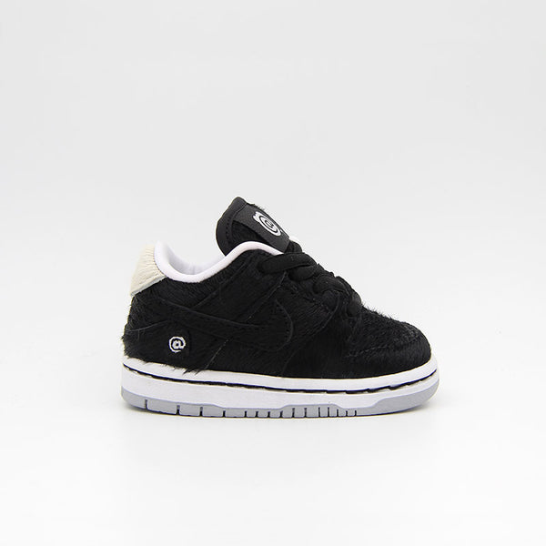 Nike SB Dunk Low Medicom PS