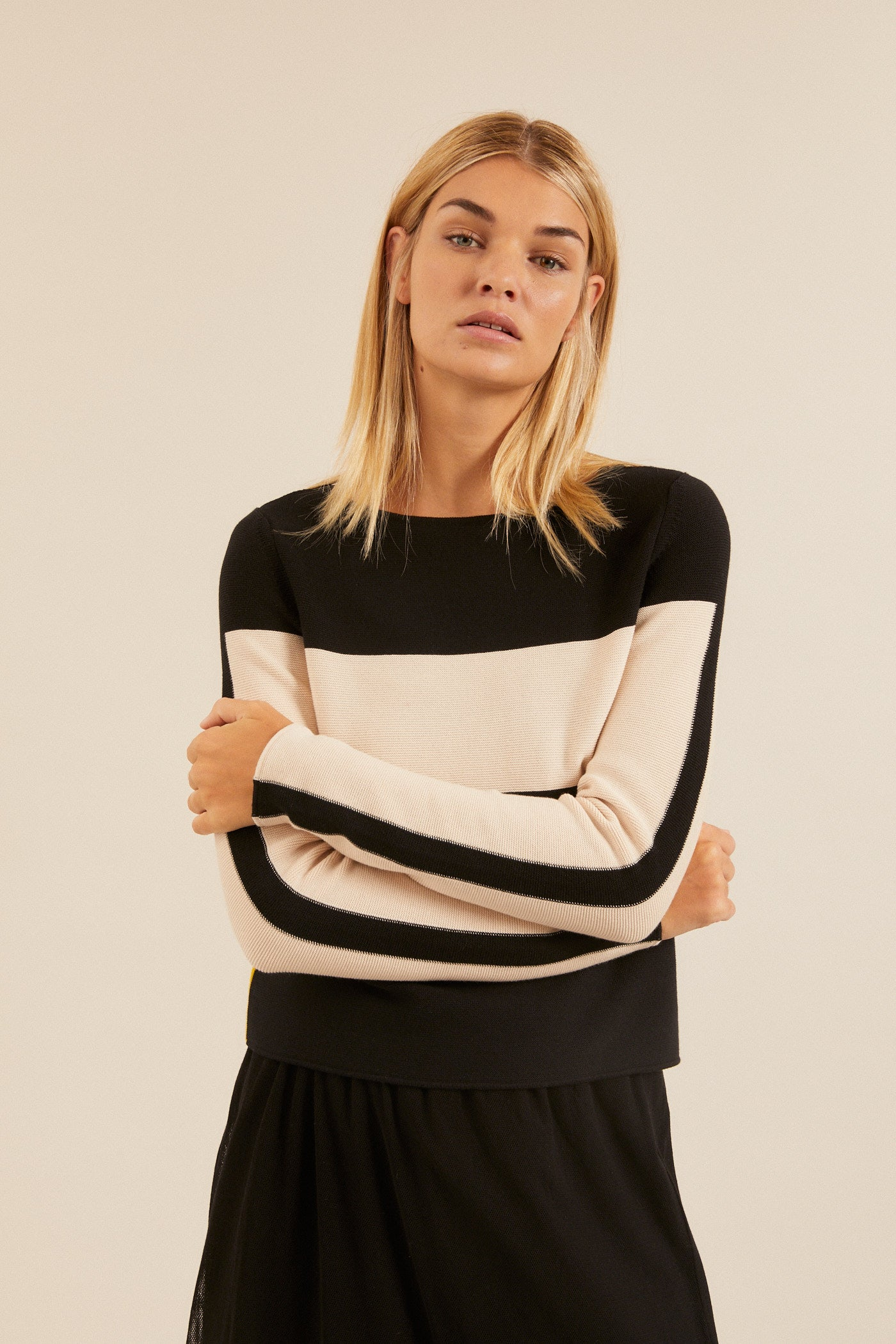 Colorblock Pullover Black/ Shell