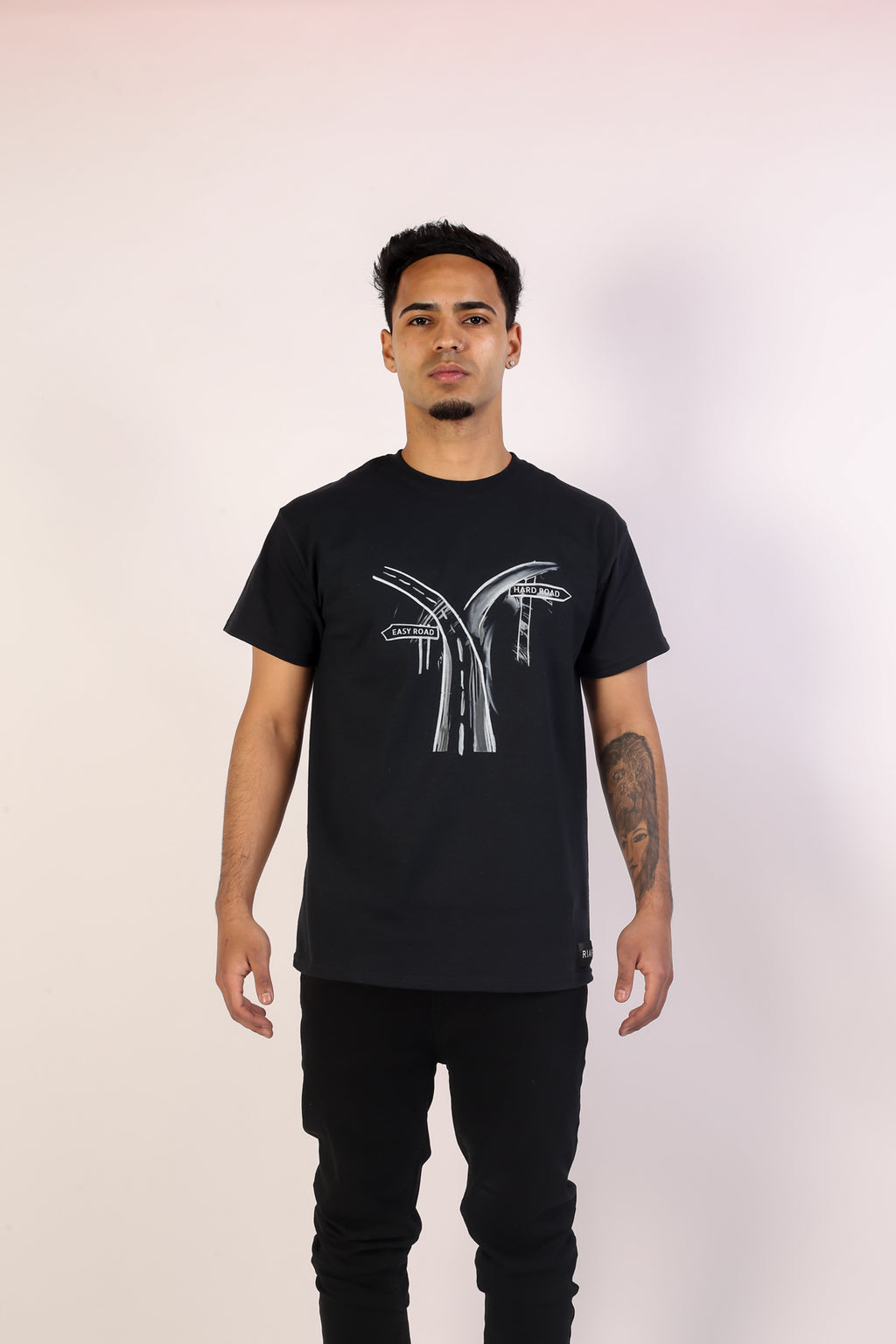 Riari Roads Tee - Jet Black