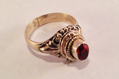 "925 silver Ruby Opening ""Parfum Ring"""