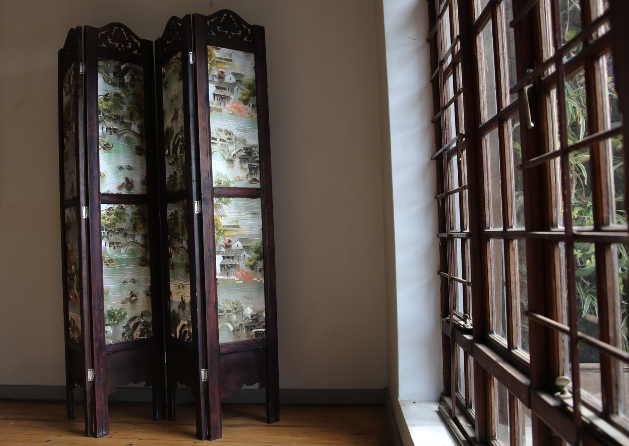 Chinese Sille Folding Screen with hand carved wooden details