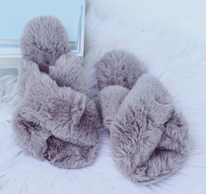 SLIPPERS GREY SIZE 7-8 -PW