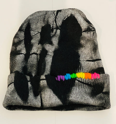 HAT - SPRAY PAINTED BLACK 🌈