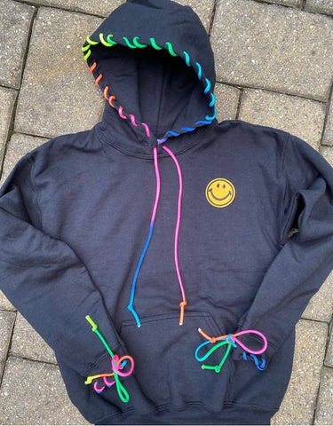 SWEATSHIRT RAINBOW CORD HOODIE WITH SMILE - PW