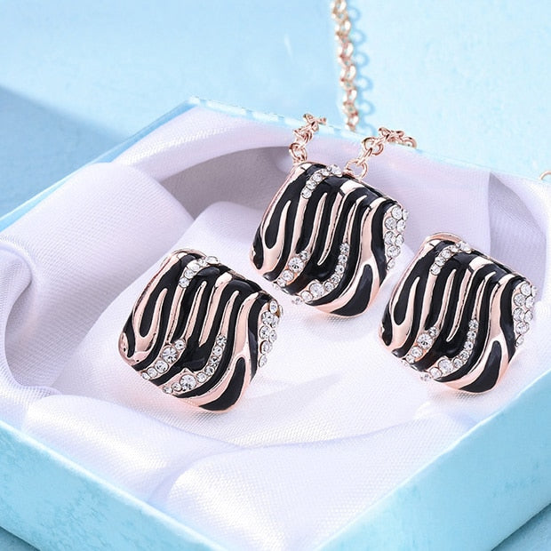 Fashion Individual leopard print Rose Gold Jewelry Set for women Geometric Statement Leisure shopping charm earrings necklace